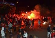 Feuer und Flamme am Wiler Kreisel nach dem WM-Sieg der Schweiz. Stimmig oder unsinnig? (Bild: Christoph Heer)