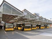 Carpostal France hat sich im Rechtsstreit mit französischen Busunternehmen auf einen Vergleich und eine Zahlung von 6,2 Millionen Euro geeinigt. (Bild: KEYSTONE/LUKAS LEHMANN)