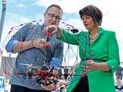 Bundesrätin Doris Leuthard eröffnete am Dienstag in Zürich den vom UVEK und WEF lancierten internationalen Drohnen-Kongress. (Bild: KEYSTONE/WALTER BIERI)