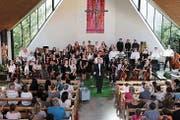 Chor und Orchester wurden mit tosendem Applaus belohnt. (Bild: Max Pflüger)