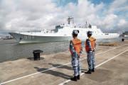 Ein chinesisches Militärschiff verlässt den Hafen von Zhanjiang. (Getty, 11. Juli 2017)