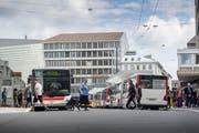 Keine Dieselbusse mehr: Die VBSG wollen bis 2024 ihre ganze Flotte auf elektrischen Betrieb umstellen. (Hanspeter Schiess)