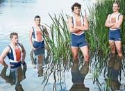 Die Junioren des Ruderclubs Reuss (von links) posieren im Rotsee: Felician Bossart, Kai Schätzle, Maurin Lange und Andrin Bossart. Dieses Quartett kämpft am übernächsten Wochenende um nationale Titel. (Bild: Jakob Ineichen (Luzern, 22. Juni 2018))