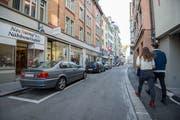 Ein Blick auf die Parkplätze in der Engelgasse (Bild: Urs Bucher - 28. Oktober 2013)