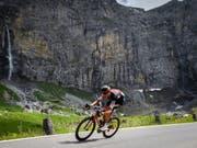 Michael Schär nimmt als wichtiger Helfer von Richie Porte für Team BMC an der Tour de France teil (Bild: KEYSTONE/GIAN EHRENZELLER)