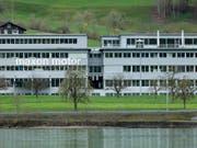 Rekordumsatz für den Obwaldner Motorenbauer: Sitz von Maxon in Sachseln. (Bild: KEYSTONE/GAETAN BALLY)