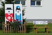 Solche Jodlerbänkli zierten das ganze Dorf Schötz. (Bild: PD)