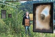 Stephan Wittmer in seinem Freiluftmuseum. Im Vordergrund eine Arbeit von Nicolas Witschi. (Bild: Eveline Beerkircher (Adligenswil, 20. Juni 2018))