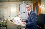 Turi Schallenberg der neue Grossratspräsident auf dem Sitzungsstuhl des Grossen Rats. (Bild: Andrea Stalder)