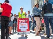 Letzte Chance für den Dialog: Sollte dies nicht geschehen, fassen die Westschweizer Redaktionen von Tamedia Kampfmassnahmen ins Auge, zum Beispiel auch einen Streik. (Bild: Keystone/PATRICK HUERLIMANN)
