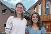 Irené Cotting (links) und ihre Partnerin Livia Cotting werden ab November die Brunnihütte der SAC-Sektion Engelberg führen. (Bild: Beat Christen)