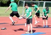 Die NLB-Spieler des HC Thurgau trainieren gemeinsam auf der Sportanlage Güttingersreuti in Weinfelden. (Bild: Mario Gaccioli)
