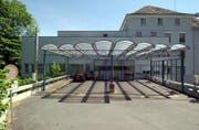 Die Erneuerung und Erweiterung des Spitals Altstätten verzögert sich. Es gab Widerstand gegen das Projekt. (Bild: Hanspeter Schiess/Archiv)