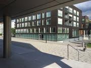 Im Bereich des Oberstufenschulhauses Zentrum kommt es permanent zu Grundwasseraufstössen. (Bild: hor)