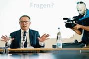 Ombudsmann Marco Franchetti bei einer Medienkonferenz in Zürich. (Walter Bieri/Keystone, 2. Juli 2015)