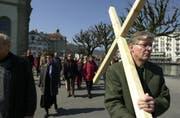 Christliche Feiern wie Ostern (Bild einer Prozession in Luzern) sollen an der Schule nicht obligatorisch werden. (Bild: Archiv LZ / Eveline Bachmann)