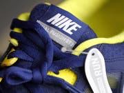 Nike steigert erstmals seit einem Jahr wieder seine US-Erlöse. (Bild: KEYSTONE/AP/Matt Rourke)