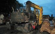Eine der demolierten Baumaschine. (Bild: Luzerner Polizei)