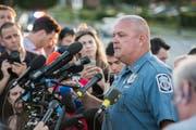 Anne Arundel County Deputy Police Chief William Krampf, Polizeichef von Anne Arundel County, informiert die Medien. (EPA/JAY FLEMING)