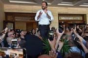 Innenminister Matteo Salvini spricht vor Anhängern auf Sizilien. (Bild: Orietta Scardino/EPA (Catania, 3. Juni 2018))