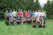 24 Jäger und Naturfreunde waren am Urschner Hegetag dabei und leisteten einen grossen Einsatz. (Bild: PD)