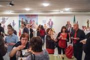 Italienerinnen und Italiener feiern in St.Gallen bei Pizza und Wein ihren Nationalfeiertag. (Bild: Urs Bucher)