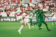 Paolo Guerrero (links) ist der Mann des Spiels. (Bild: Ralph Ribi)