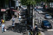 Künftig soll es in Luzern mehr breite Trottoirs wie an der Pilatusstrasse geben. (Bild: Philipp Schmidli, 1. Juni 2018)