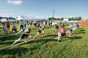 Jugendliche ziehen am Zipfelcup in Waldkirch um den Turniersieg. (Bild: Urs Bucher)