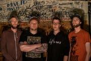 Stepfather Fred mit Bassist Matthias Gassner (rechts). (Bild: PD)