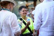 Rita Tresch ist seit Jahren die beste Rondellenverkäuferin am Luzerner Fest. (Bild: Jakob Ineichen, Luzern, 30. Juni 2018)