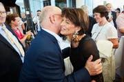 Das Hotel Montana ist das Hotel des Jahres 2018/2019 - und lässt sich deshalb feiern. Geladen sind viele Prominente aus der ganzen Schweiz. Hier: Direktor Fritz Erni mit Bundesrätin Doris Leuthard. (Bild: Jakob Ineichen, Luzern, 30. Juni 2018)