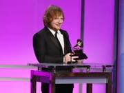 Hat erneut eine Klage wegen Plagiats am Hals: der britische Starmusiker Ed Sheeran. (Bild: KEYSTONE/AP Invision/MATT SAYLES)