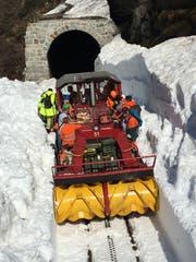 Vom 14. m Mai bis zum 1. Juni arbeiteten gut 40 Personen für die Schneeräumung.