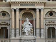 Genfer Justiz muss über Taxifahrer urteilen. Justitia-Statue in Wien. (Bild: KEYSTONE/APA/ROLAND SCHLAGER)