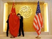 Weitere Spannungen zwischen USA und China: Die Vereinigten Staaten haben einen ehemaligen Geheimdienstoffizier verhaftet und der Spionage für China verdächtigt. (Bild: KEYSTONE/EPA REUTERS POOL/JASON LEE / POOL)
