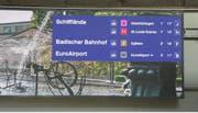 Beispiel einer Anzeige mit dem Tramabfahrtszeiten auf der neuen Tafel. (Screenshot Video SDA)