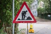Eine Baustellensignalisation. (Bild: Benjamin Manser)