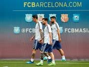 Lionel Messi (Mitte) und seine Kollegen Sergio Agüero (rechts) und Angel Di Maria (links) verzichten auf den Test gegen Israel (Bild: KEYSTONE/EPA EFE/ALEJANDRO GARCIA)