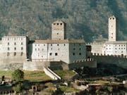 Im Castelgrande in Bellinzona kann man im Turmzimmer nächtigen. (Bild: Keystone/KARL MATHIS)