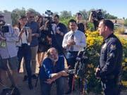 Die Polizei in Scottsdale im US-Gliedstaat Arizona erklärt Medienvertretern ihren Ermittlungsstand zur einer fatalen Mordserie mit insgesamt sieben Toten. (Bild: KEYSTONE/AP/MELISSA DANIELS)