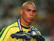 Ronaldo steuerte 2002 zum WM-Triumph der Brasilianer acht Tore bei (Bild: KEYSTONE/DPA/OLIVER BERG)