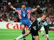 Davor Suker (links) traf an der WM 1998 sechsmal - unter anderem auch gegen Deutschland und Torhüter Andreas Köpke (Bild: KEYSTONE/AP NY/MICHEL LIPCHITZ)