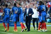 Didier Deschamps (Vierter von links): 1998 als Spieler mit Frankreich Weltmeister – 20 Jahre später als Trainer mit Frankreich Weltmeister? (Bild: Nolwenn Le Gouic/Getty (Paris, 10. Juni 2016))