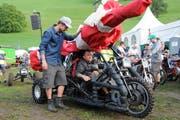Teffli-Rally 2017 in Ennetmoos. Rennleiter Patrick Odermatt bei der Teffli-Abnahme am Samstag Morgen. (Bild Philipp Unterschütz)