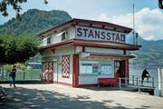 Das ehemalige SGV-Ticket-Häuschen wird ein Café. (Bild: Corinne Glanzmann (Stansstad, 30. Mai 2018))