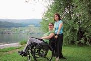 Manuela Ming (stehend) und Corinne Grond sind ein aktives «Tandem» von Kiss Obwalden. (Bild: Marion Wannemacher (Sachseln, 28. Mai 2018))