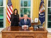 Reality-TV-Star Kim Kardashian bei ihrem Besuch bei US-Präsident Donald Trump im Weissen Haus. (Bild: Donald J. Trump / Twitter)