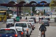 Zollübergang in Au: Die EU plant Änderungen beim Umgang mit arbeitslosen Grenzgängern. (Bild: Benjamin Manser)