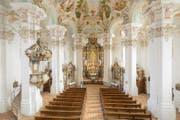 Verschnörkelte Formen schmücken die Wallfahrtskirche in Steinhausen. (Bild: Oberschwaben Tourismus)